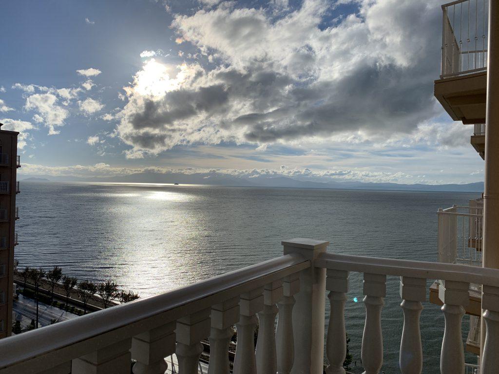 窓からの琵琶湖の景色